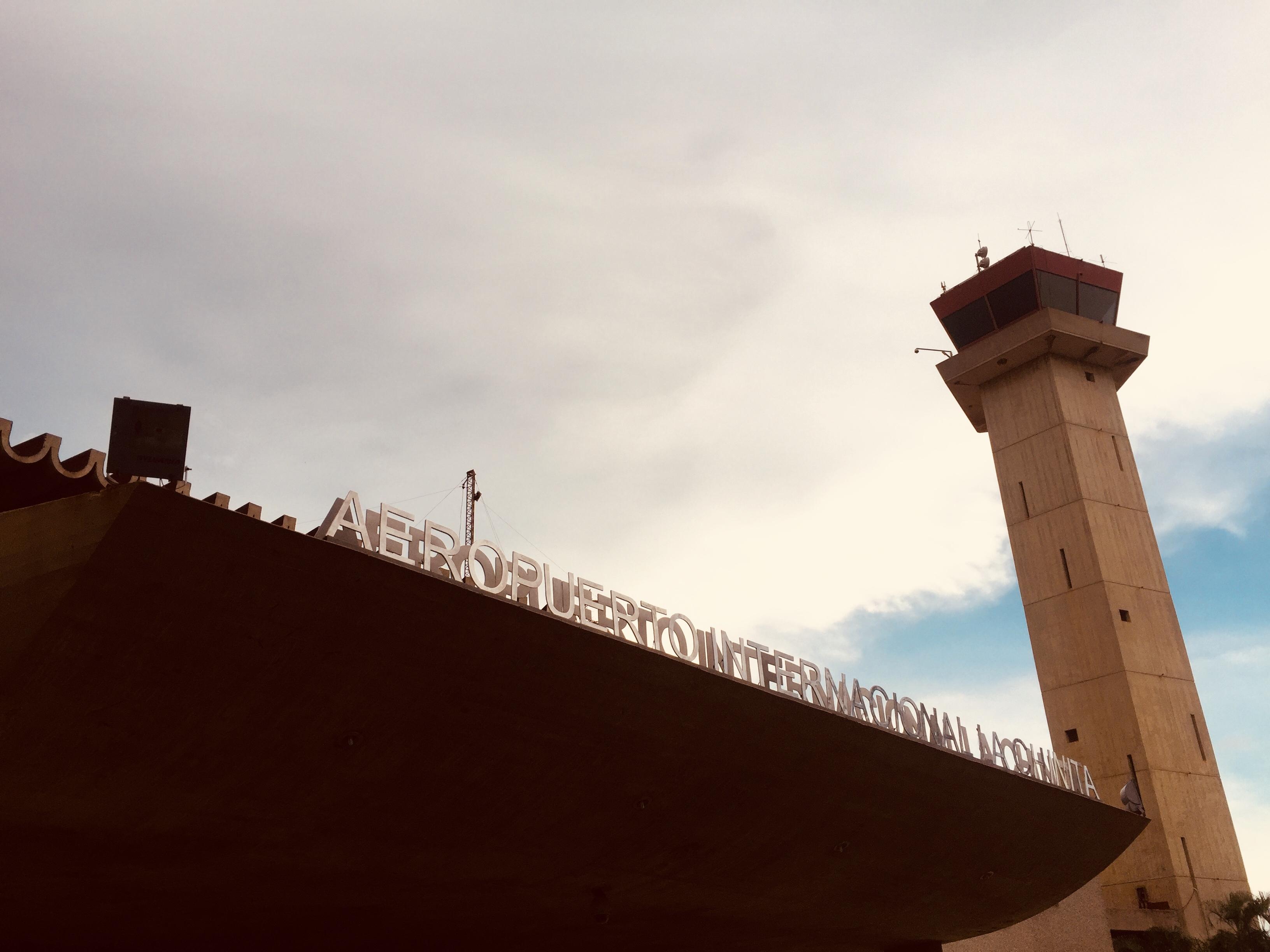 Donación de Letras Corpóreas para Identificación del Aeropuerto Internacional La Chinita